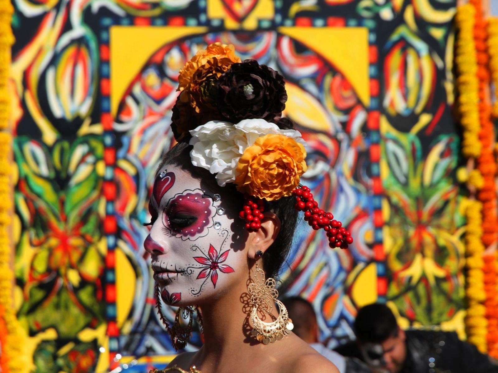 Celebrating Dia de los Muertos at Dominican |